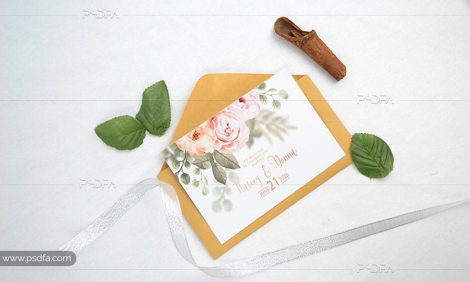 قالب لایه باز موکاپ کارت عروسی واقعی برای فتوشاپ