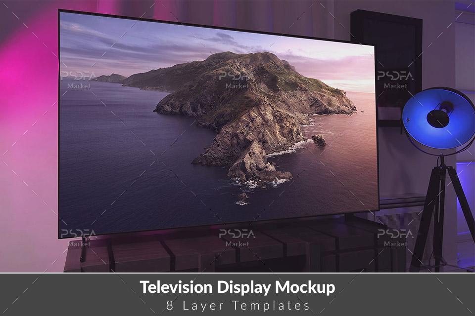 موکاپ تلویزیون اسمارت و هوشمند روی میز چوبی به همراه اسپیکر